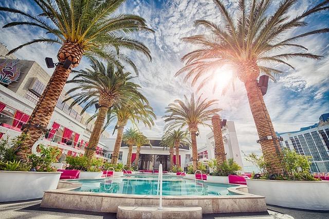 Miami FL Hotel Pools - BillLentis.com