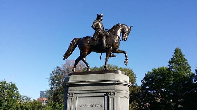 Grab A Tour Trolley And Move Around Boston - BillLentis.com