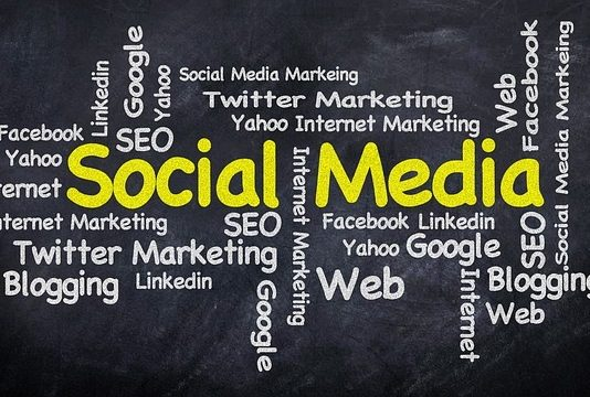 The Role Of Social Media In Teenage Networking - BillLentis.com
