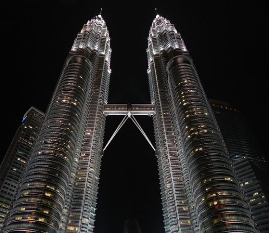 Buying A Condominium In Singapore - BillLentis.com