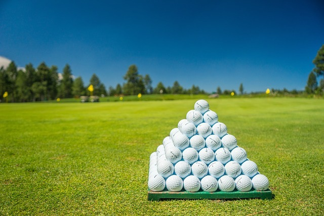 Tips For What To Wear At Golf Courses - BillLentis.com
