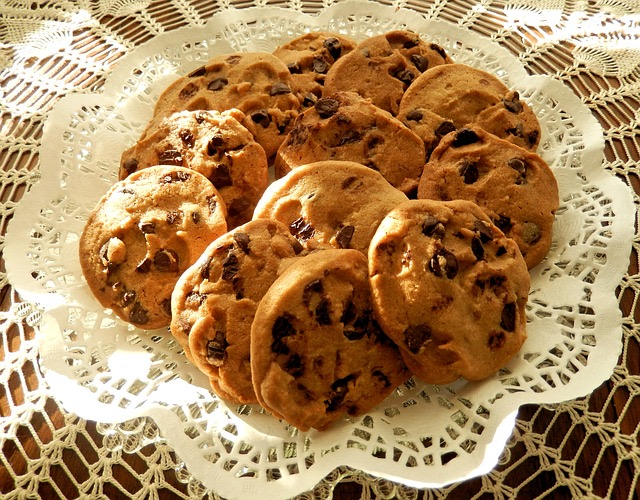 How To Microwave Chocolate Chip Cookie - BillLentis.com