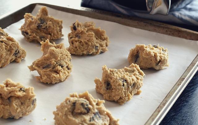 How To Microwave Cookie Dough - BillLentis.com