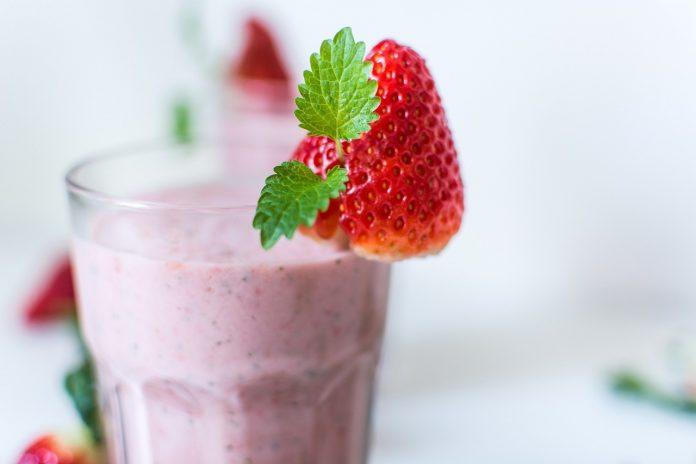 How To Make A Strawberry Milkshake Without A Blender - Bill Lentis Media