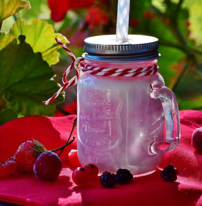 How To Make Milkshake With Icecream Without Blender - Bill Lentis Media