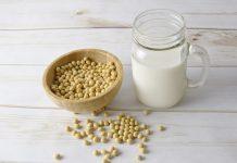 Kaip padaryti, kad sojos pupelių pienas su maišytuvu - Bill Lentis Žiniasklaida