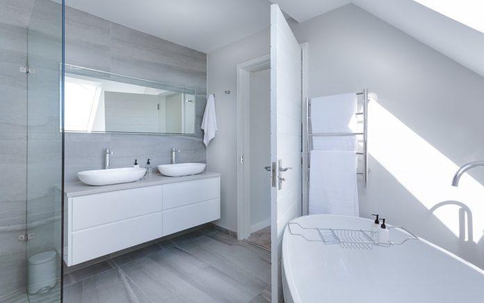 Effective Tips And Tricks Regarding The Selection Of The Bathroom Lighting Fixtures - Bill Lentis Media