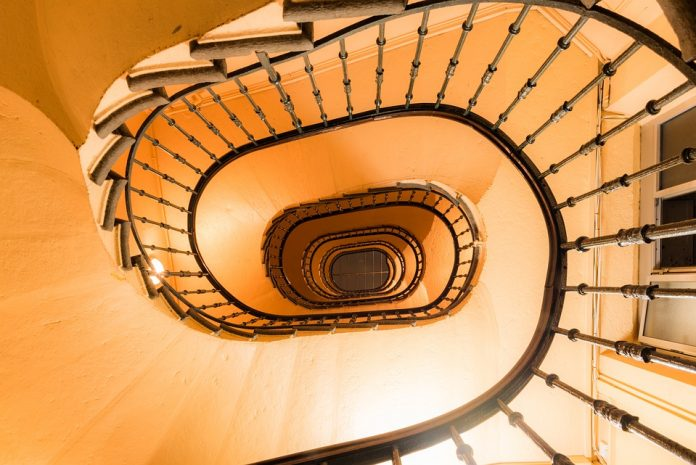 How To Avoid Unnecessary Accidents Whilst Using Stairs - Bill Lentis Media