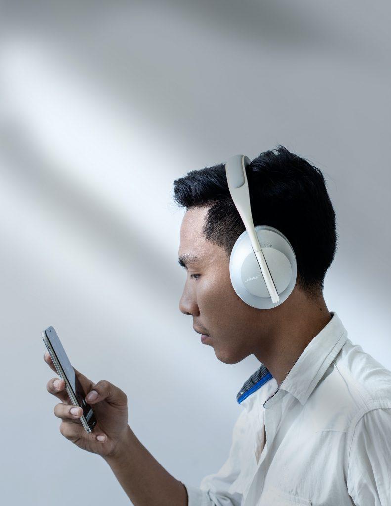 Wired vs. Wireless Gaming Headset - BillLentis.com